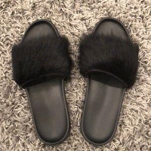 Ugg Fur Slides Black